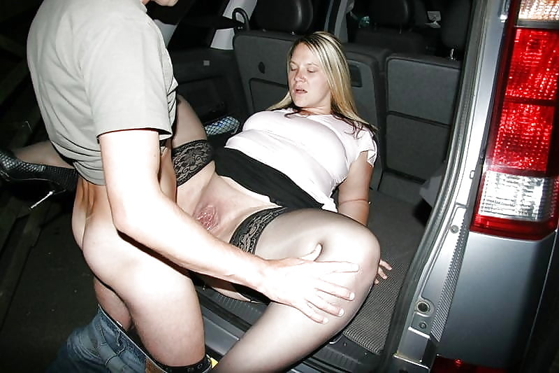 Free Hq Czech Whore Fucked In The Car Porn Photo