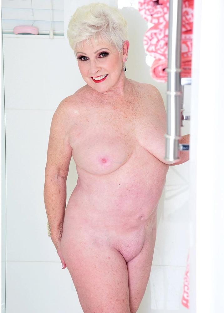 Hermosa Abuela!!!!! - 15 Pics