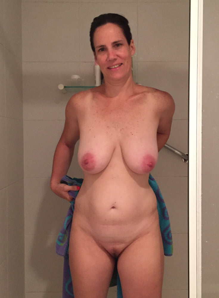 moms-natural-naked-body-pics