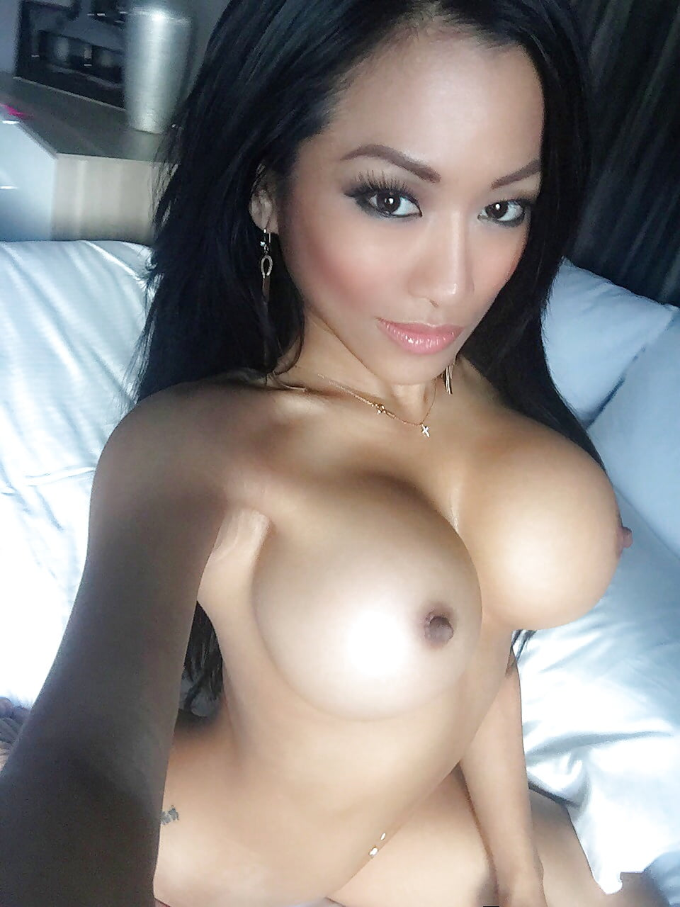 Barbie cheung nude — pic 1