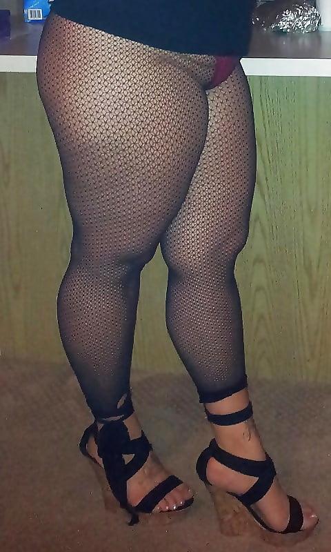 фото чулки на толстых ляжках