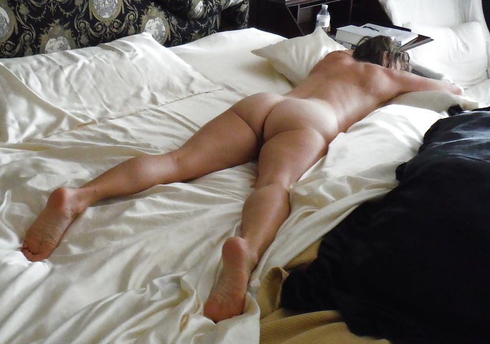 Hot amateur ass nude in prone position xxx