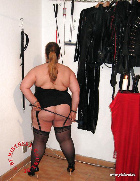 Hairy mature bbw mistress