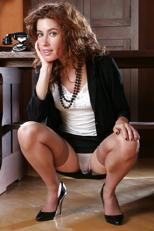 Free mature skirt pictures