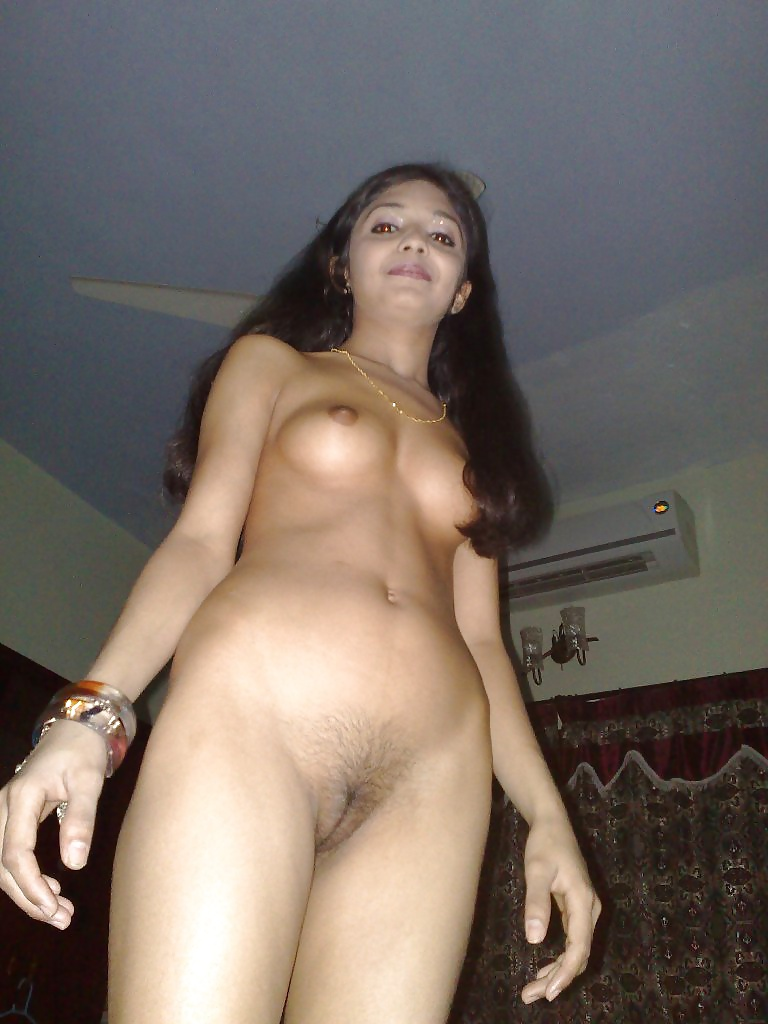 See and save as desi paki karachi girl nude selfies leaked by bf porn pict