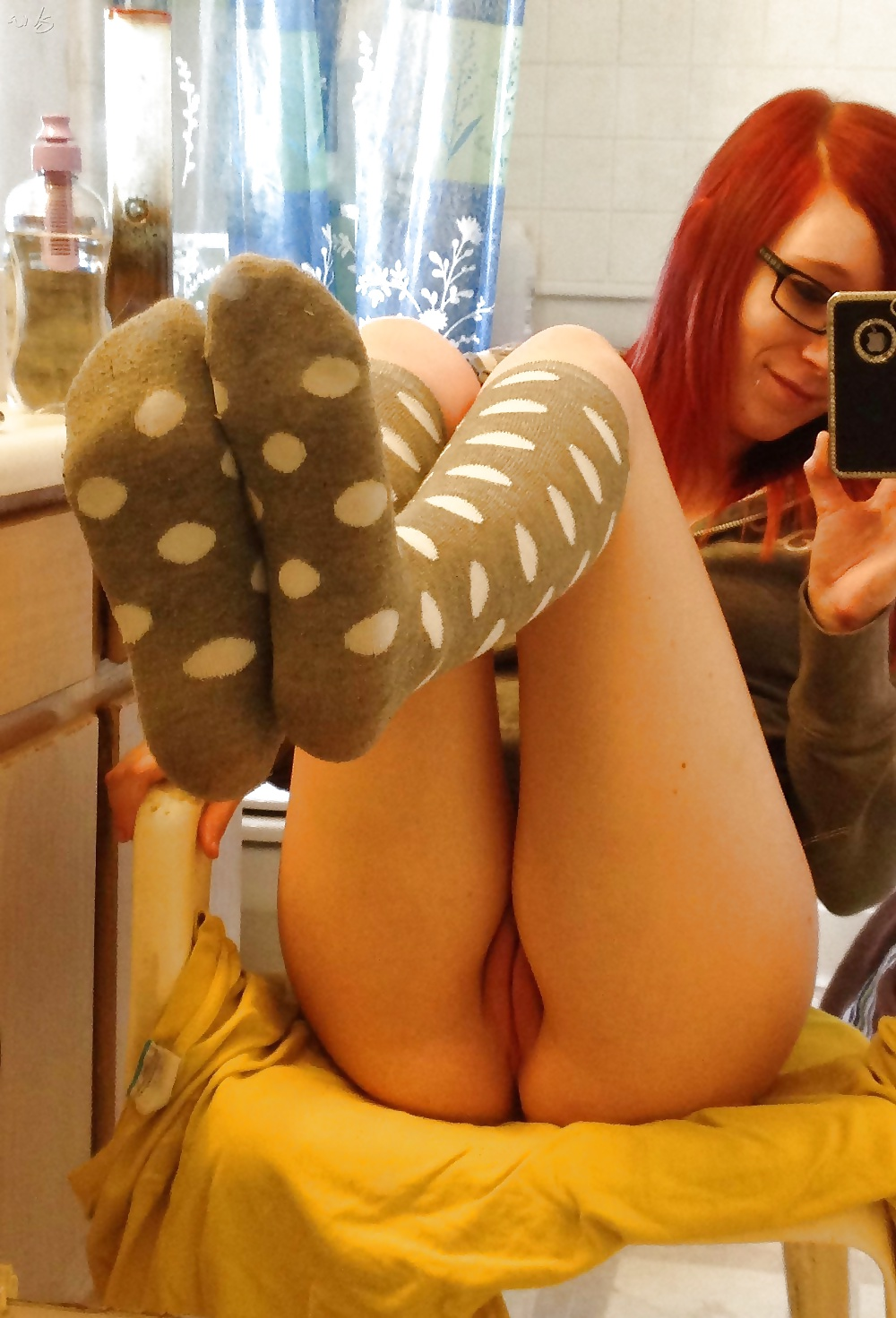 teen-nude-ass-glasses-self-braces-girl