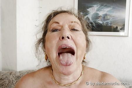 Oma lässt sich ficken