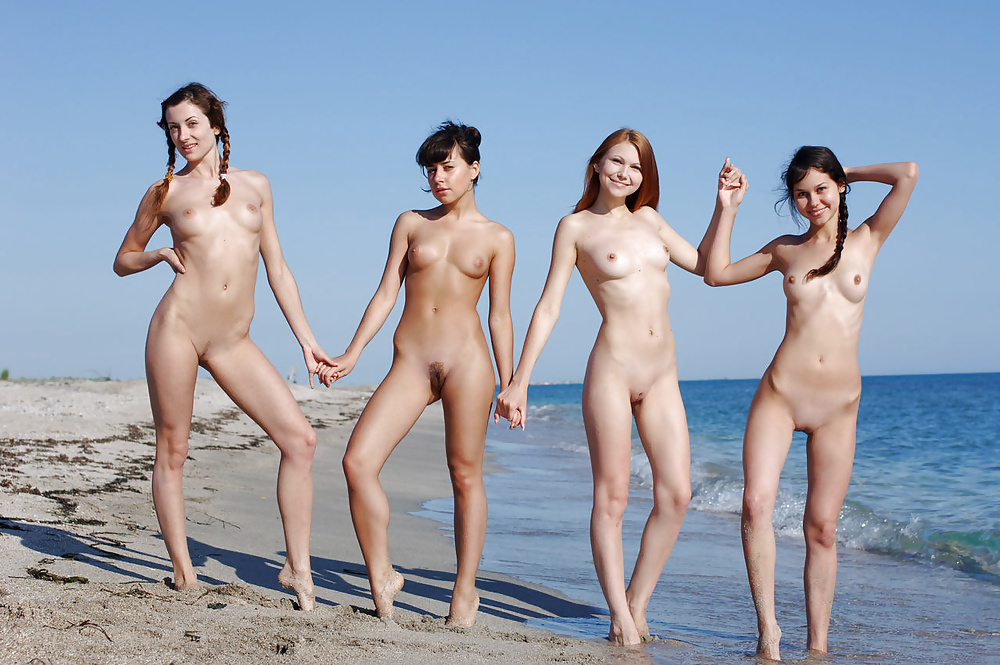 Pictures of naked girls on the beach