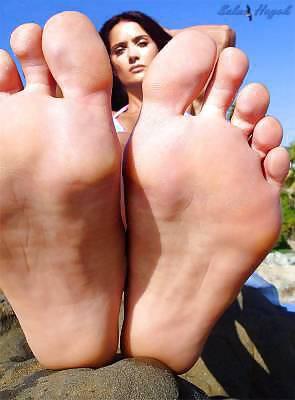 fetish hayek Foot by salma