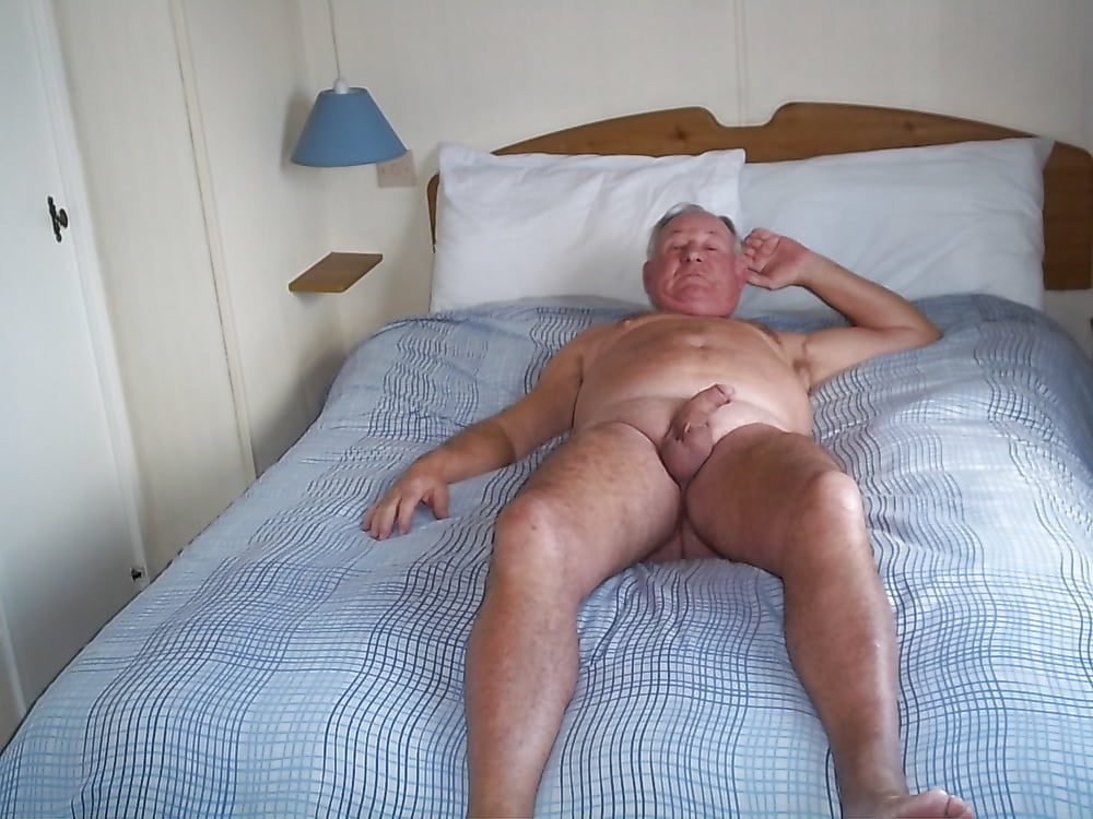 Sexy muscle dude jaxton wheeler fucks older hunk max stark's bubble butt asshole