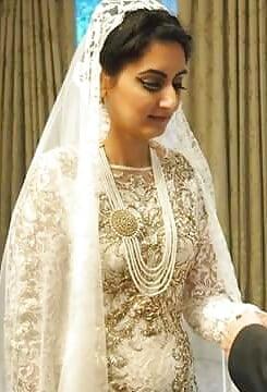 Flattering wedding dresses for big busts