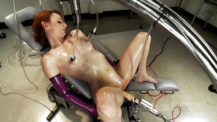 porno-roliki-s-seks-robotami
