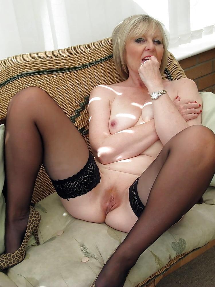Порно зрелых мадам — 1