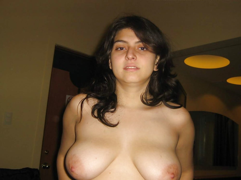 Hot Pakistani Teen Ki Naked Selfie Pics