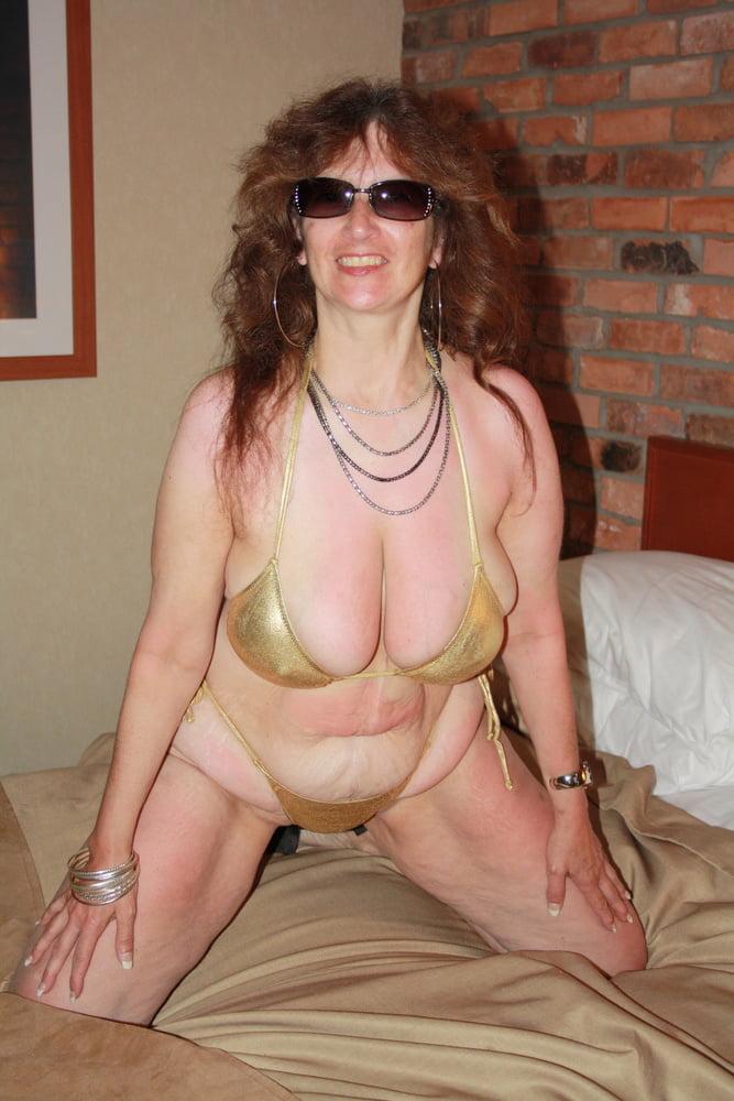 Mature women in skimpy bikinis-4737