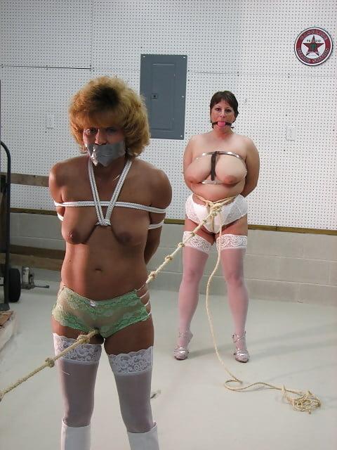 naked-with-woman-bondage-restroom-black-white