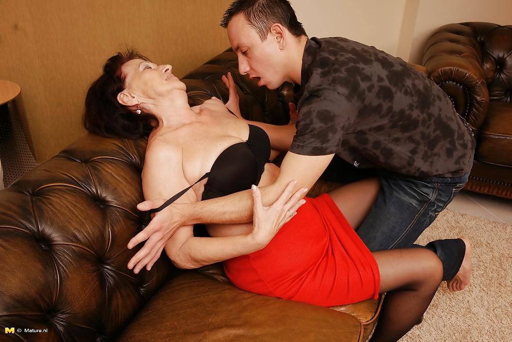 After terstosterone older woman seduces young babe video