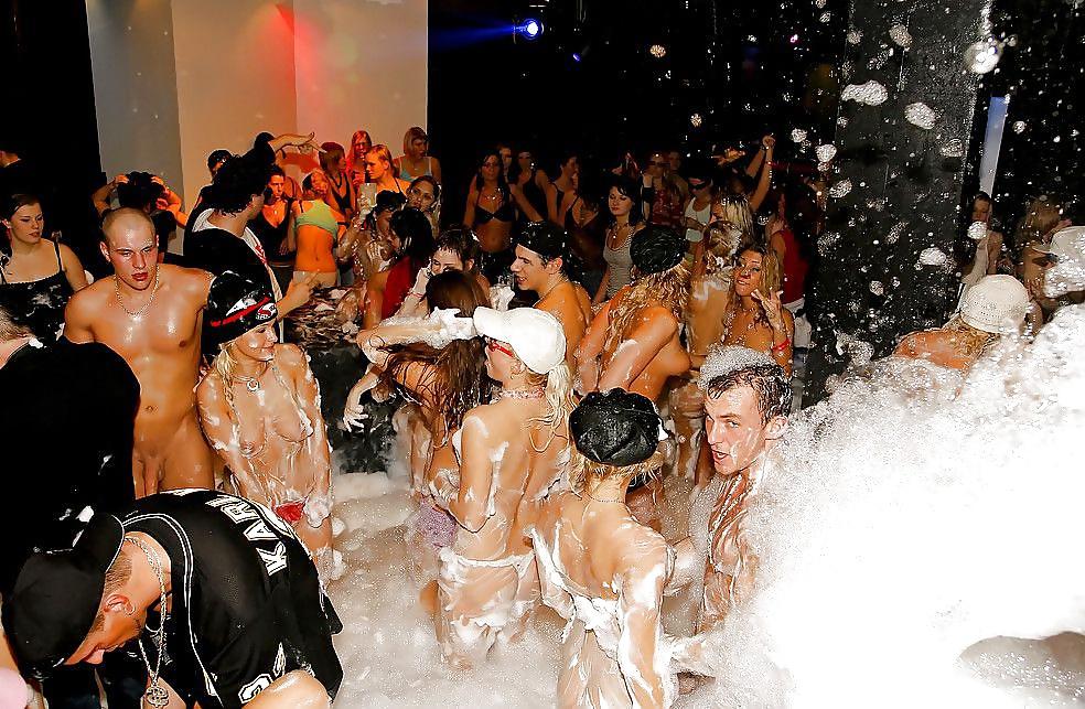 Пенная вечеринка фотоотчет секс #4