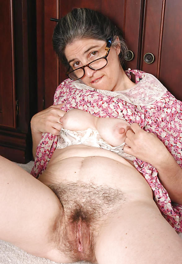 Granny best hairy pussy collection