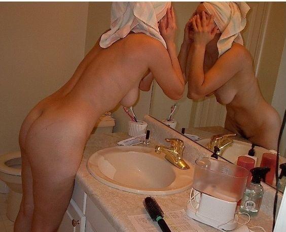 Sexy aunty in bathroom-4906