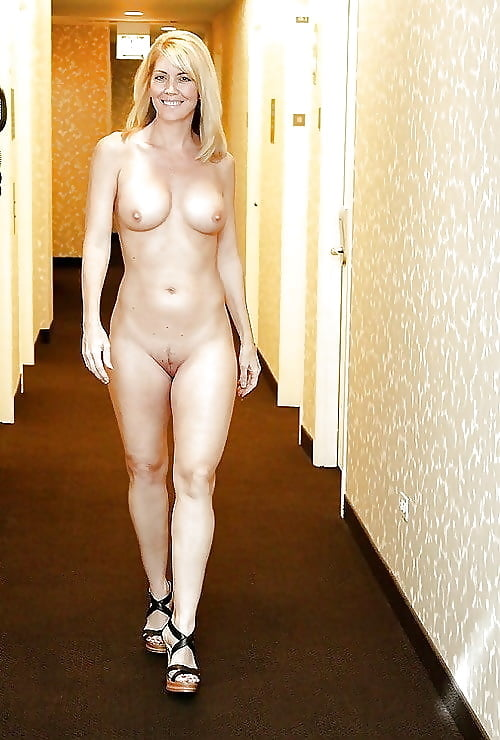 nude-girls-in-hotels-videos-peach-naked-with-daisy
