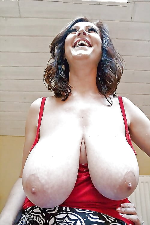 Mature huge hanging tits