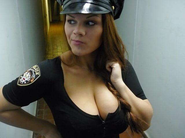 Видео фото полицейских девушек с большими сиськами новой голой