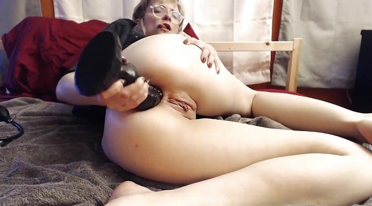Blood anal masturbation — pic 5