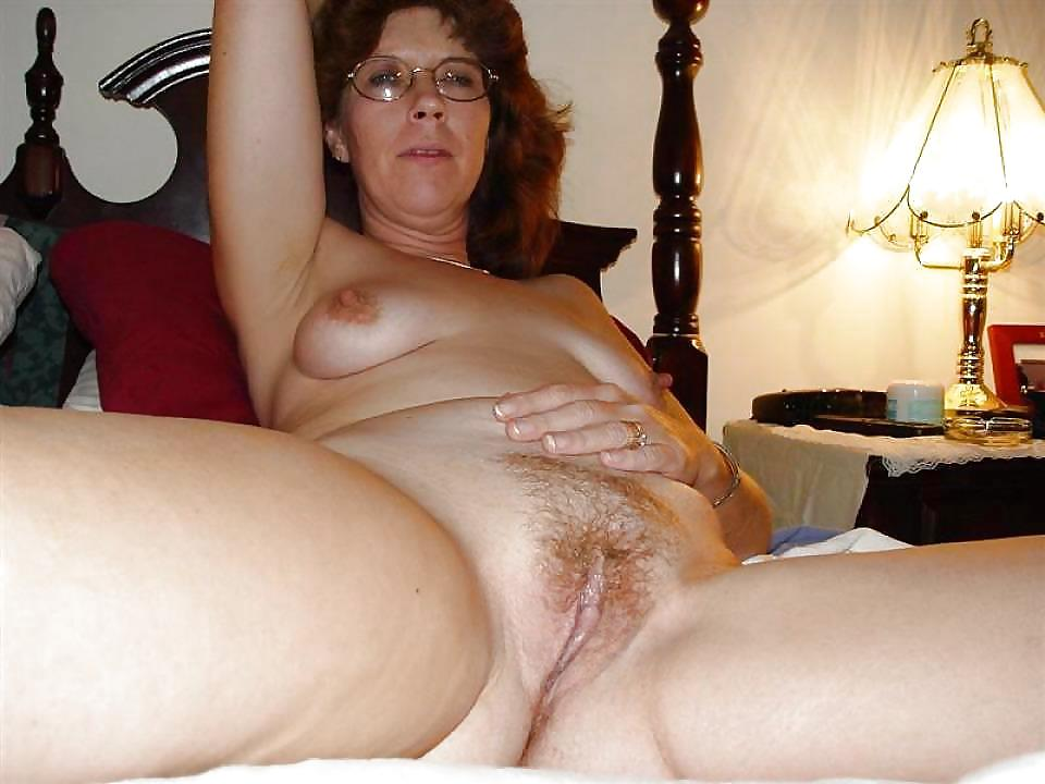 hot-moms-uglier-nude