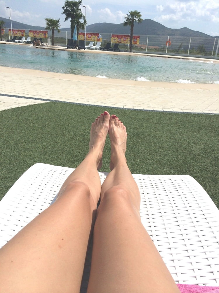 Milf feet soles