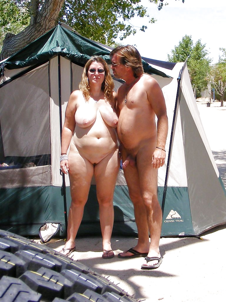 naked-mothers-with-sons-at-nudist-camp