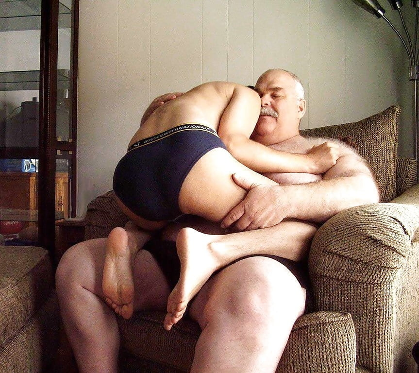 Finding Love In The Chub And Chaser Community Using Self Awareness