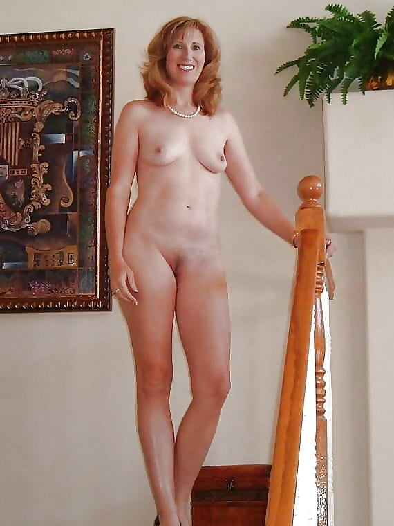 petite-women-naked-in-there-forties