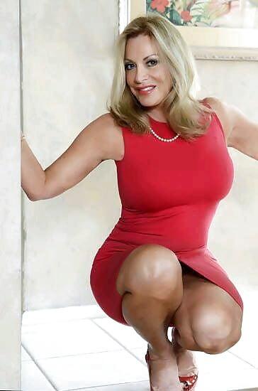 Horny mature women xxx-1068