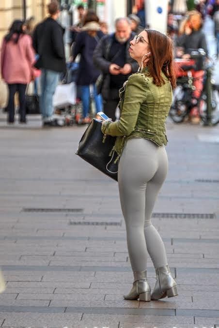 Sexy Girls In Short Denim