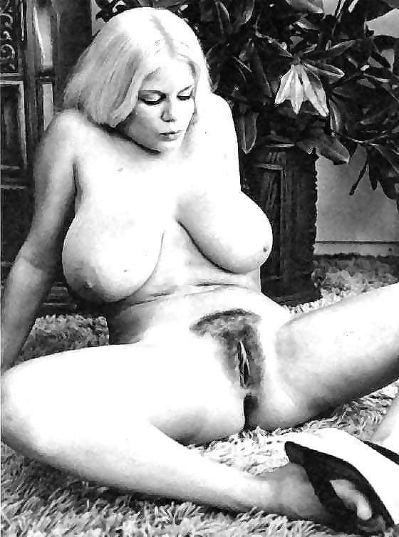 Порно фото ретро с женщин с большой грудью — img 7