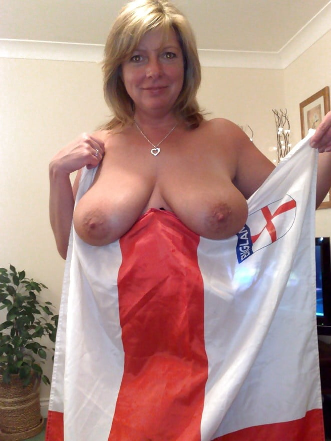 British mature curvy big tits