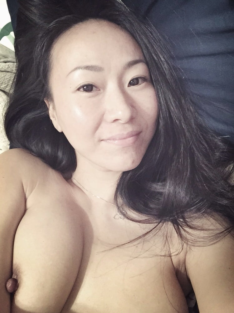 Asian milf nude Japanese MOM
