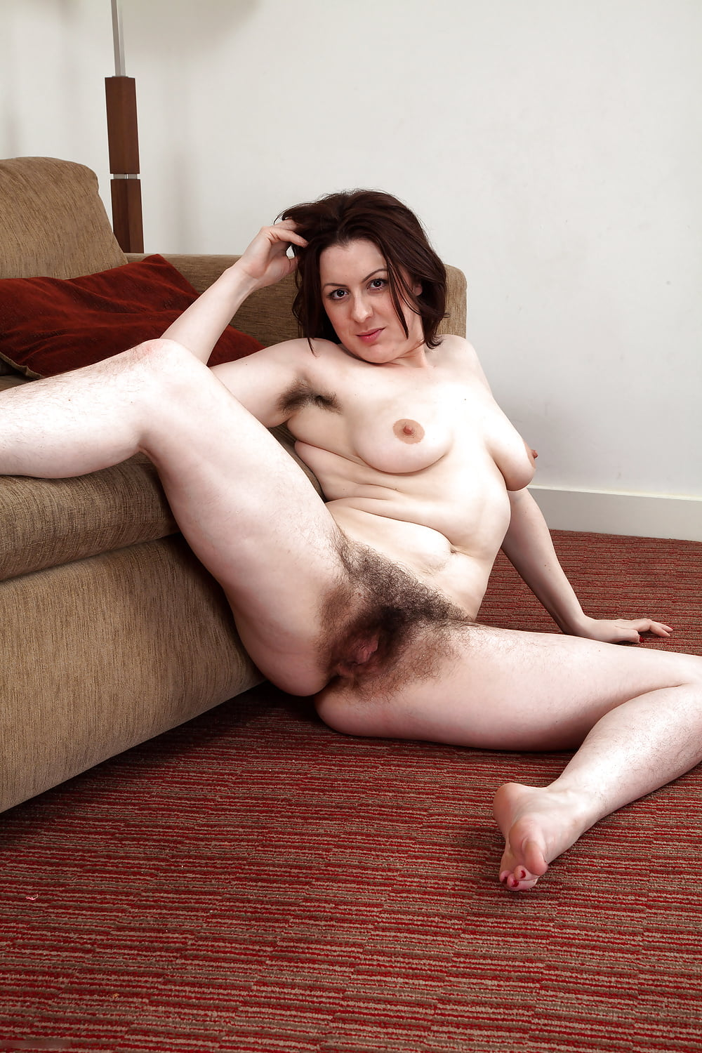 Hairy pussy + aunt