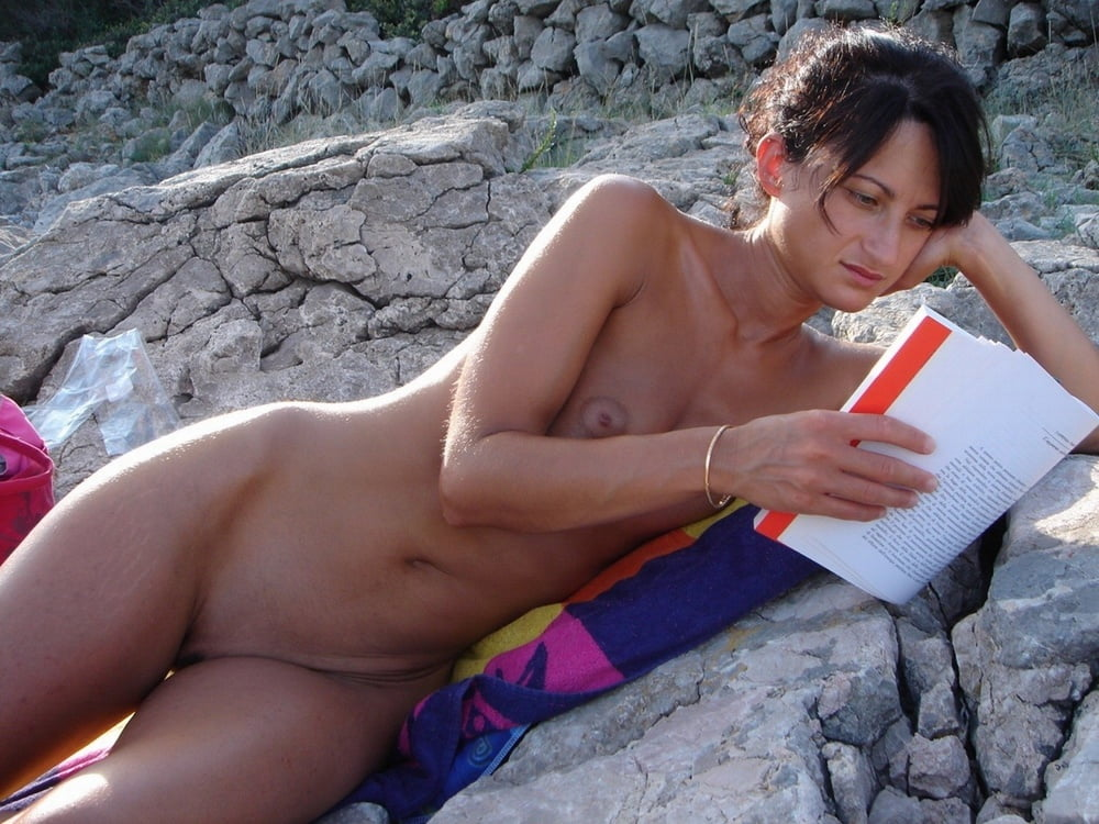 Sicilia enjoys outdoor masturbating - 2 part 4