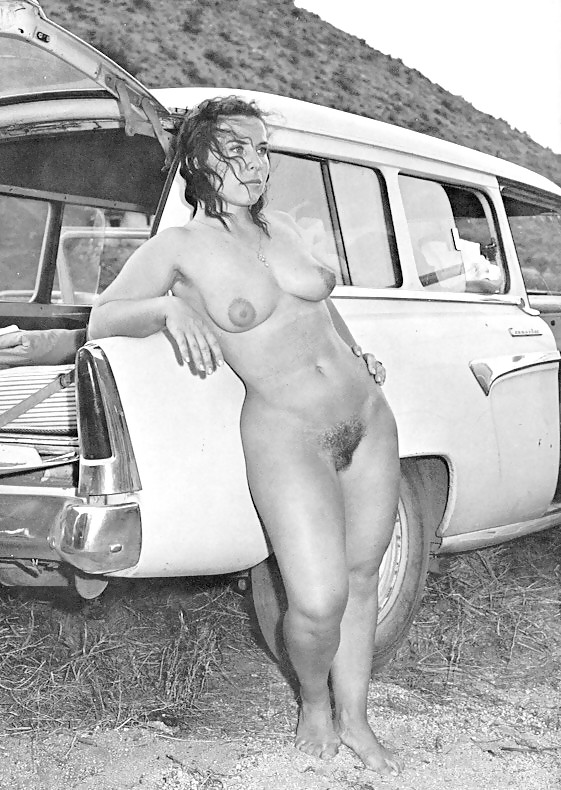 Black and white hippie girls nude — photo 12