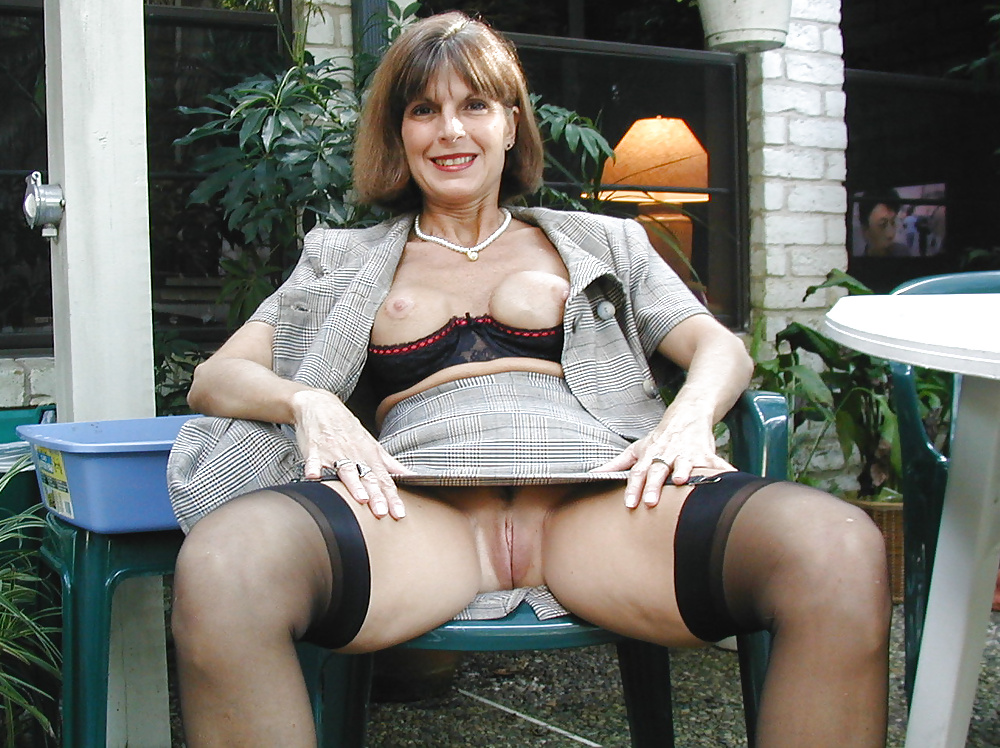 upskirt-free-pictures-mature-women-assamese