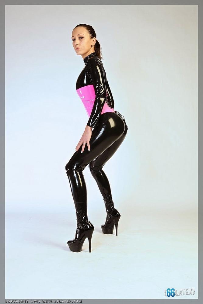 Dani (66 (Latex photo shoots)