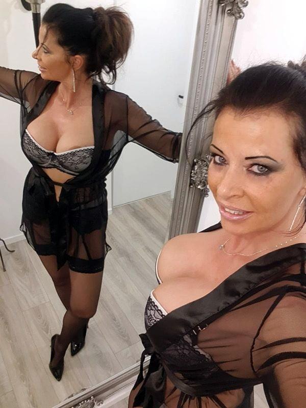 Birgit Netzer - 20 Pics