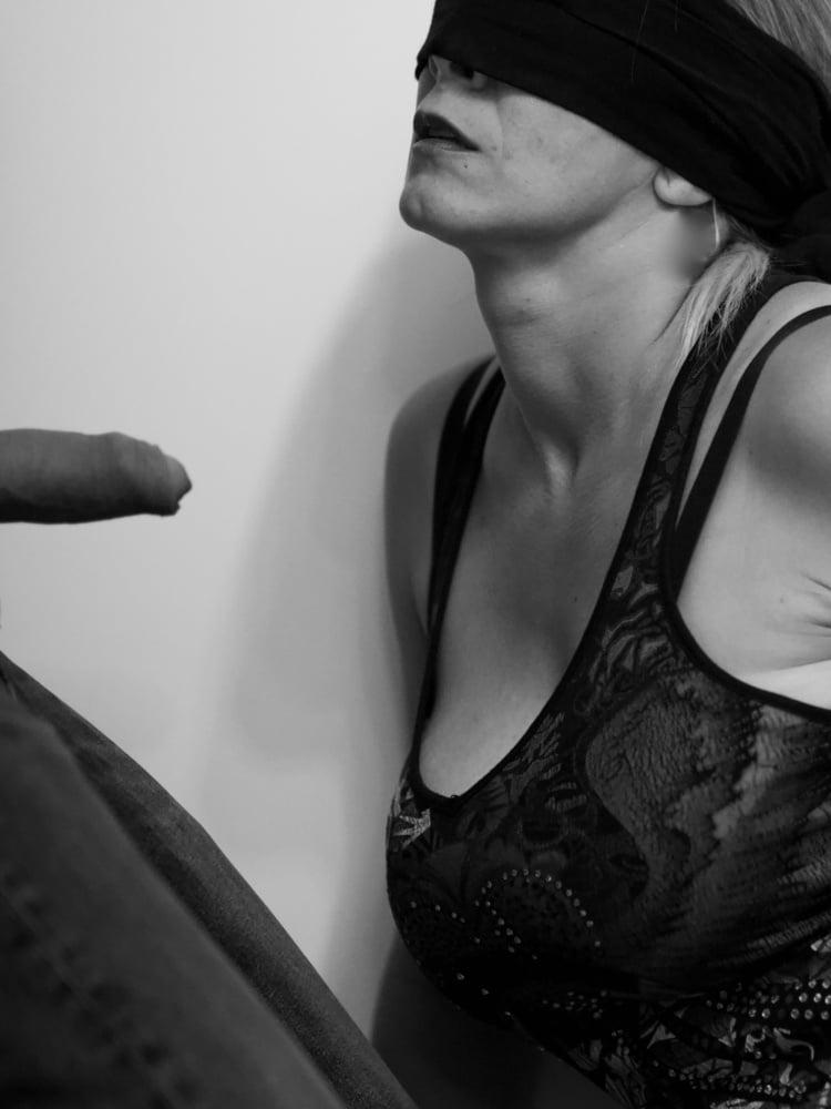 Slut wife amateur bukkake suck cum face blowbang condom eat - 39 Pics