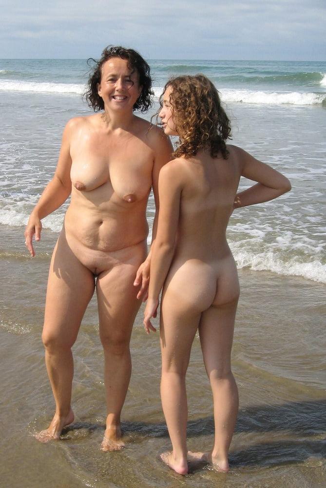 Bikini beach flash