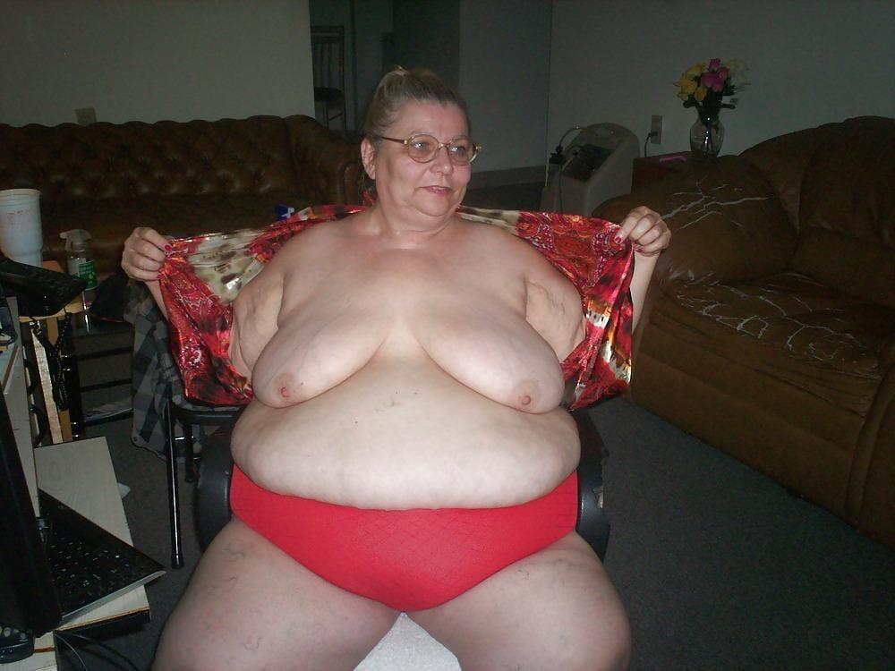 naked busty mature women
