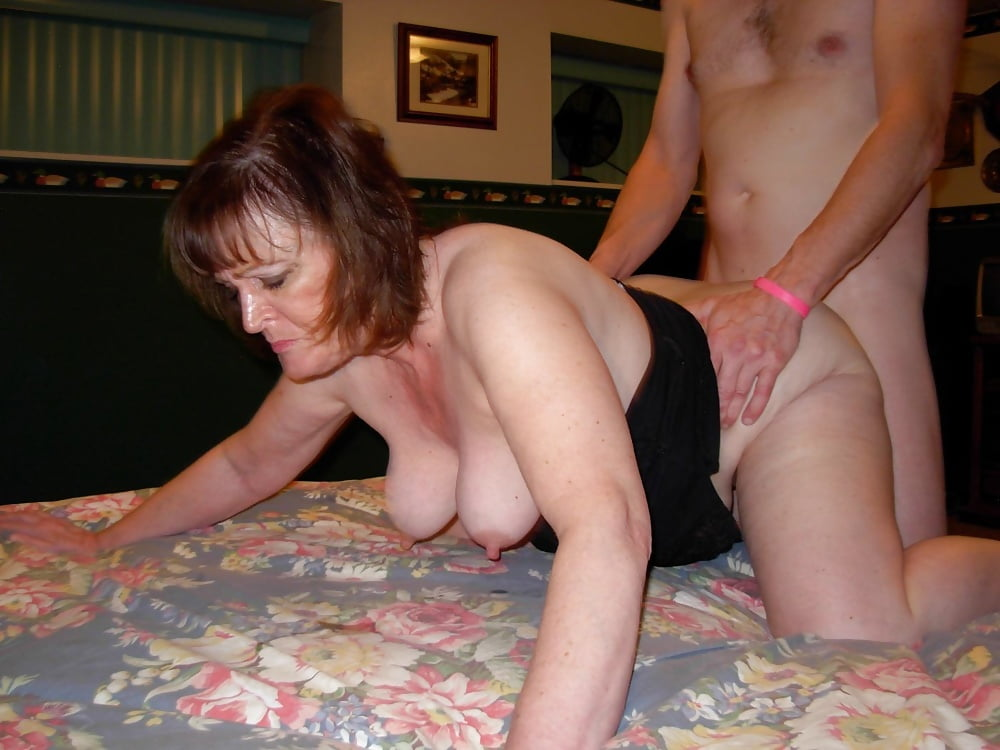 Mature Wives Clips