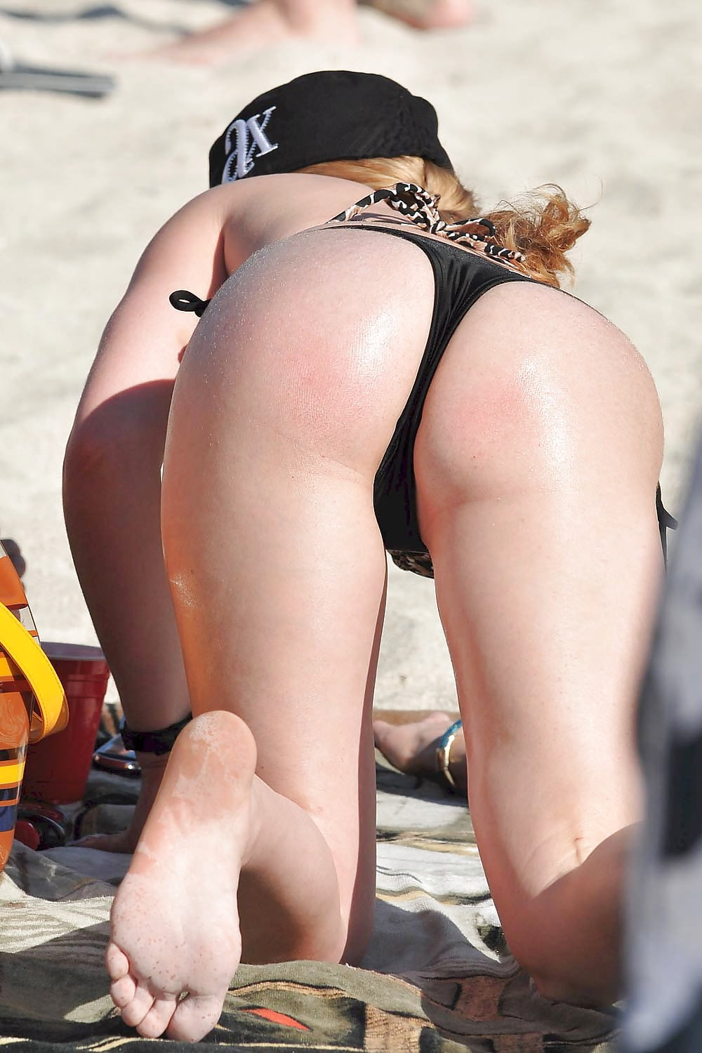 Pussies bent over south beach, widest hips ever