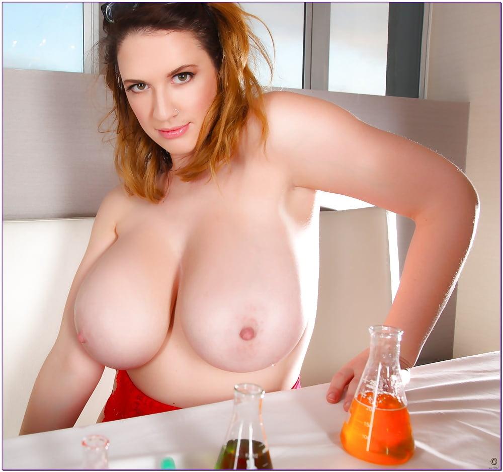 Смотреть видео большие натуральные груди пьяных девушек